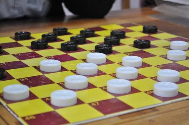 Досуговый центр в Кузьминках стал ареной для шашечной баталии округа