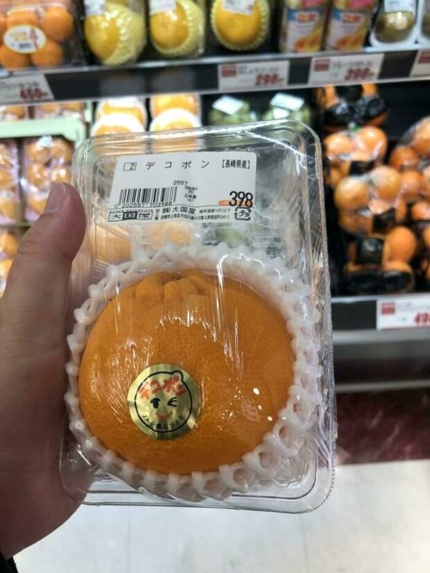 апельсин в упаковке