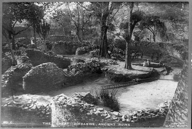 Великие руины Зимбабве. Этот район известен своей древней горнодобывающей цивилизацией. Источник: Wiki Commons, общественное достояние.