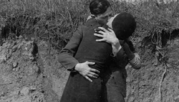 Фотографии настоящих Бонни и Клайда, снятые в 1933году
