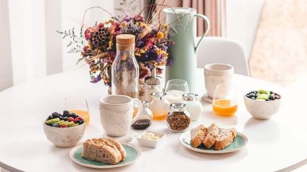 Диетолог назвал лучшее время для завтрака
