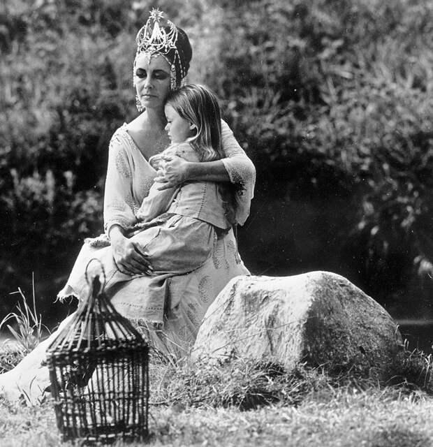 Зачем голливудская звезда Элизабет Тейлор приезжала вСССР