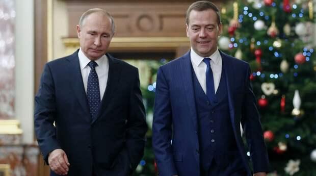 Почему Путин сменил правительство, и знал ли об этом Медведев?
