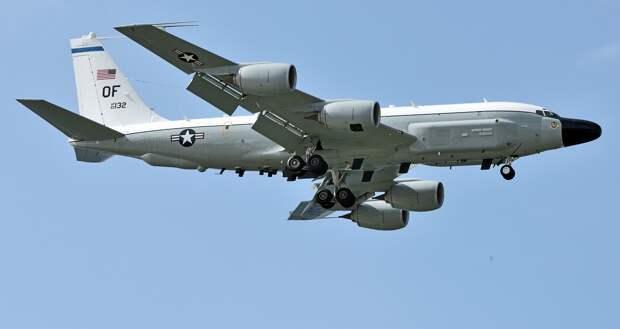 Самолет США вторгся в закрытую для полетов зону учений России