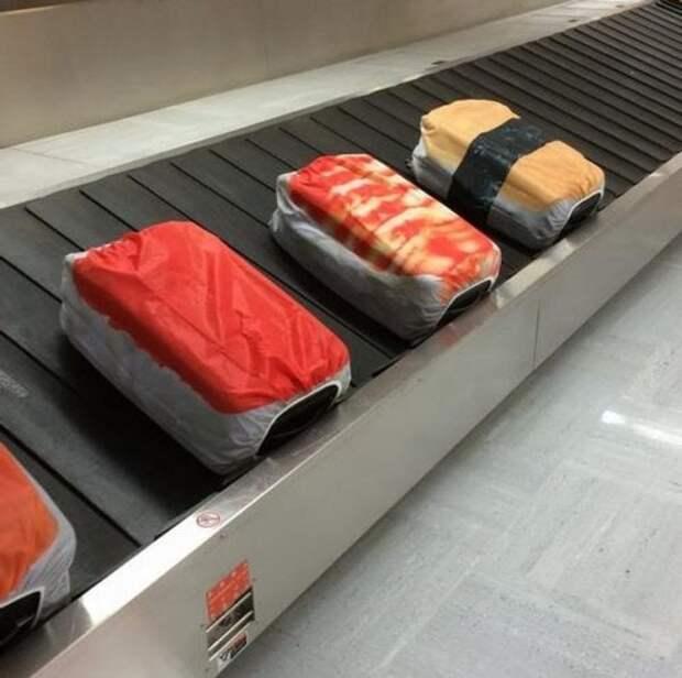И снова чемоданы, которые точно не пропустишь на ленте багажа