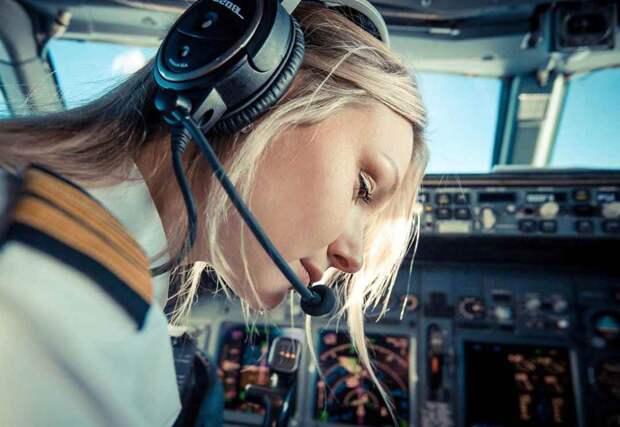 10 самых красивых девушек-пилотов, которые покорили Инстаграм