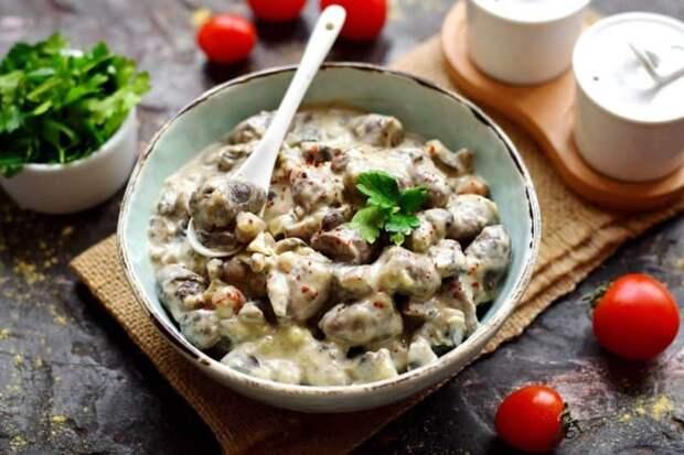Куриные сердечки с грибами в сметане. Весь секрет этого блюда в соусе! 2