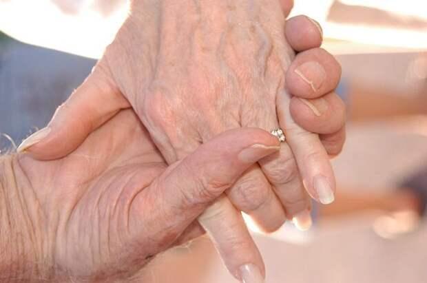 Путин: система долгосрочного ухода за пожилыми охватит всю страну в 2022 г.