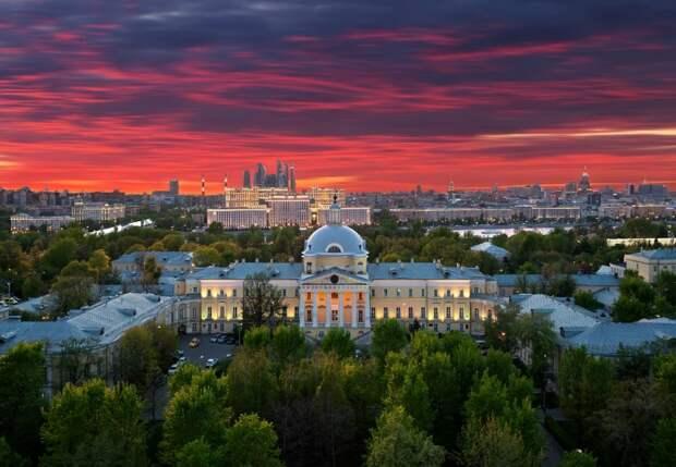 Москву с необычного ракурса показали в Лианозовском парке Фото: пресс-служба Лианозовского парка
