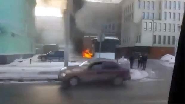 Машина сгорела на проспекте Ленина в Нижнем Новгороде