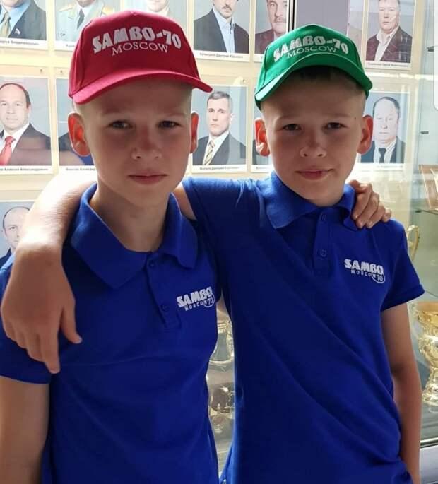 Вот как сейчас выглядят близнецы из «Ворониных»