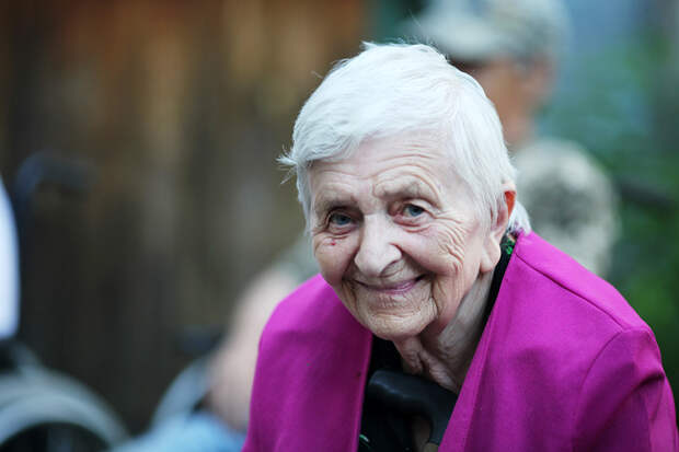 Пожилой – значит одинокий? Как можно помочь бабушкам и дедушкам, у которых никого нет. Часть 1