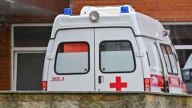 Лобовое столкновение двух легковушек унесло жизнь водителя в Адлере