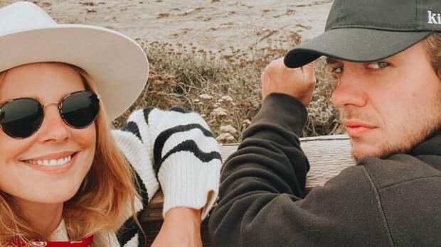 Панарин рассказал об отмене свадьбы с дочкой Знарка в Италии