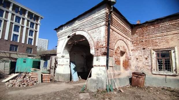 Потолки, как убояр, истены, как в90-е: вКазани начали консервацию старинного дома