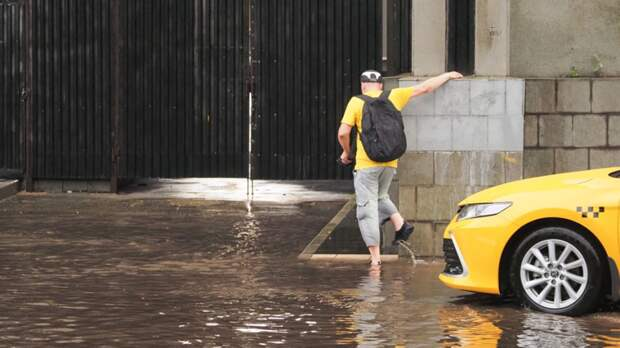 Российские Венеции: как регионы страны ушли под воду из-за дождя
