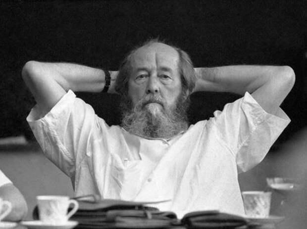 Какие покушения устраивал КГБ на Александра Солженицына
