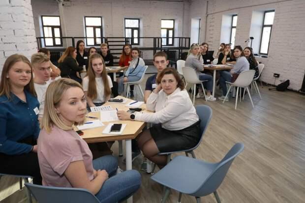 Нижегородские волонтёры учатся помогать друг другу