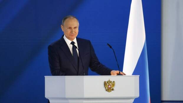 Путин заявил о снижении заболеваемости COVID-19 в России