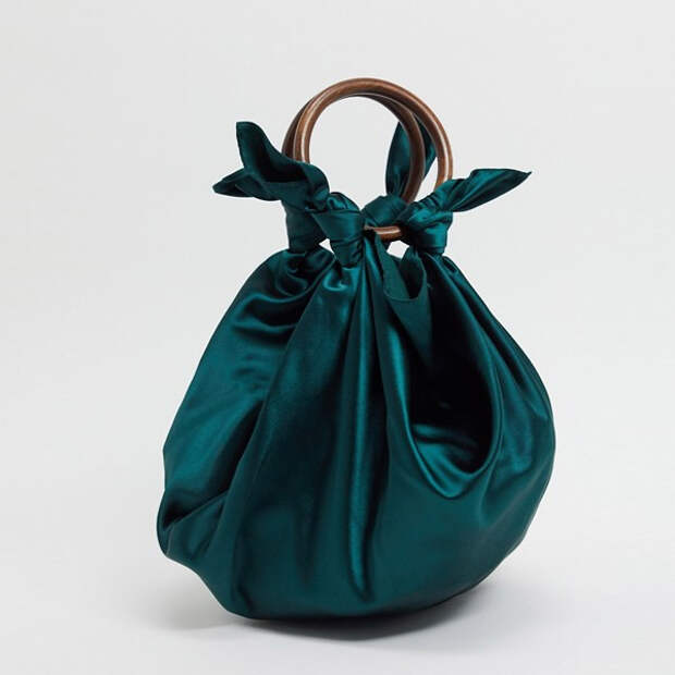 Одна модель сумки, по которой сегодня сходят с ума все