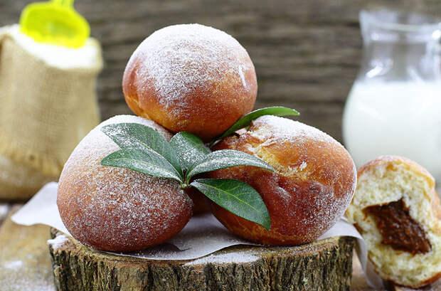 Пончики со сгущёнкой пончики, сгущенка, рецепт, сладкий стол, еда, видео, длиннопост