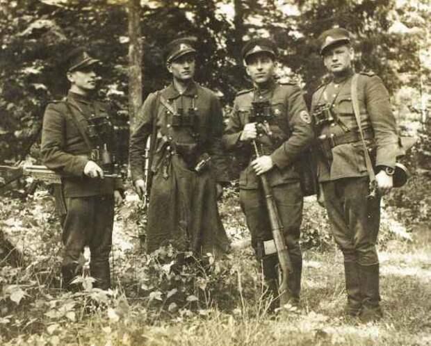«Охотник на нацистов»: Пока эти ублюдки дышат, их нужно ловить
