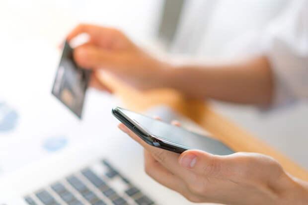 Россиян предупредили об опасности переводов денег по номеру телефона