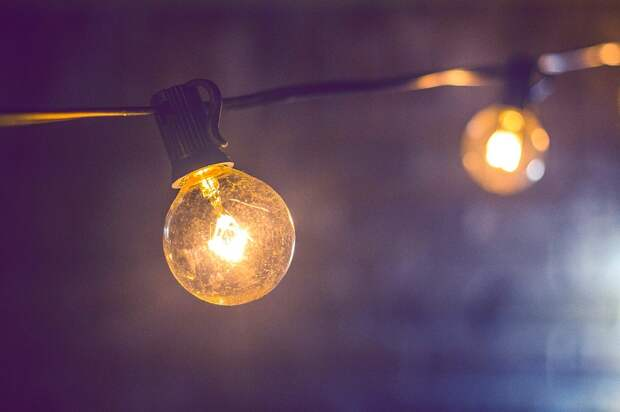 В подъезде дома на Шокальского заменили лампы – «Жилищник»