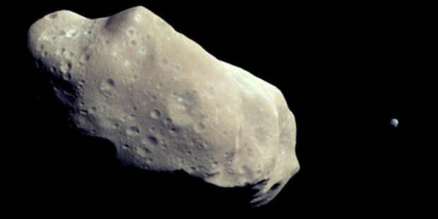 К Земле приближается астероид крупнее пирамиды Хеопса
