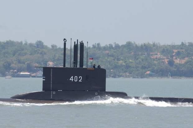 Подлодка ВМС Индонезии пропала у побережья Бали