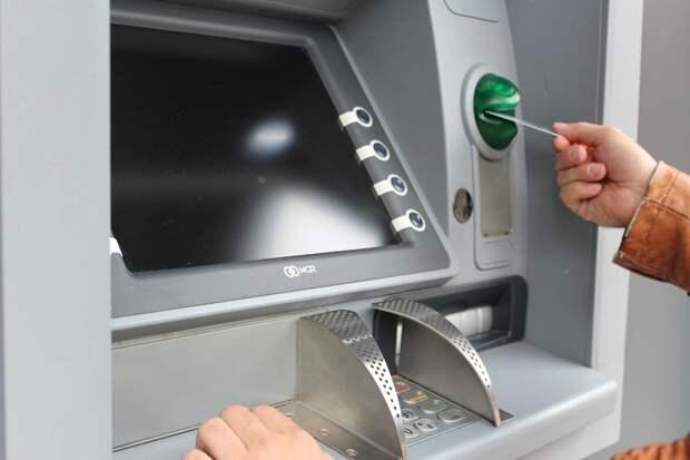 Обманутый мошенниками житель Ижевска в течение недели оформил кредиты в 7 банках на 3,5 млн рублей