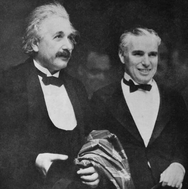 Чарли Чаплин и Альберт Эйнштейн, апрель 1931 года (Wikimedia / archive.org)
