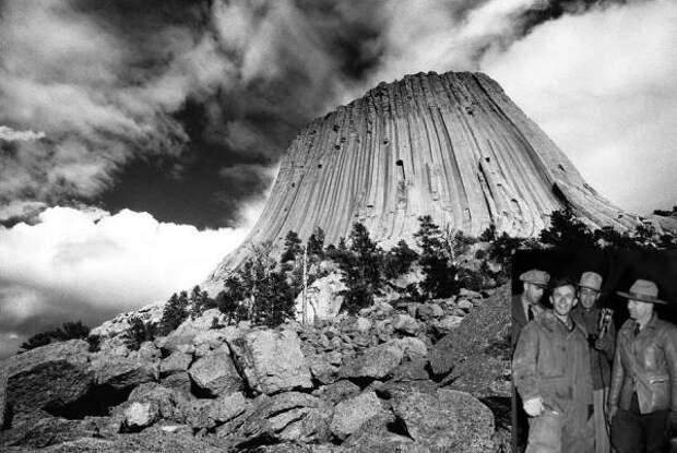 Башня дьявола: скала с сомнительной репутацией
