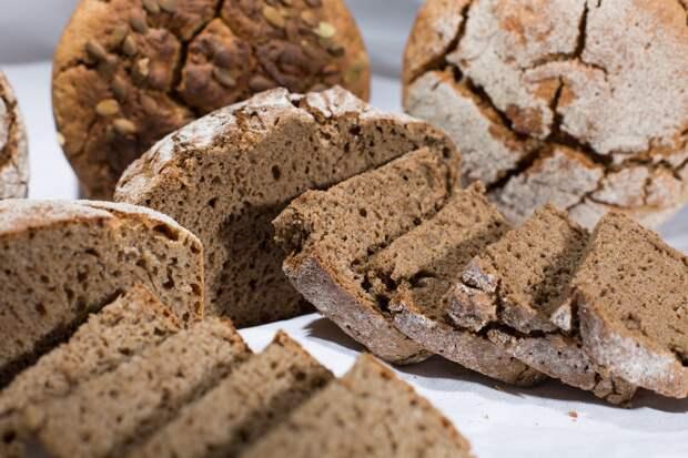 Эксперт развеяла миф об ожирении от хлеба
