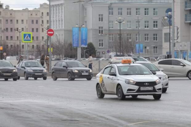 В центре Казани ограничат движение транспорта по ряду улиц