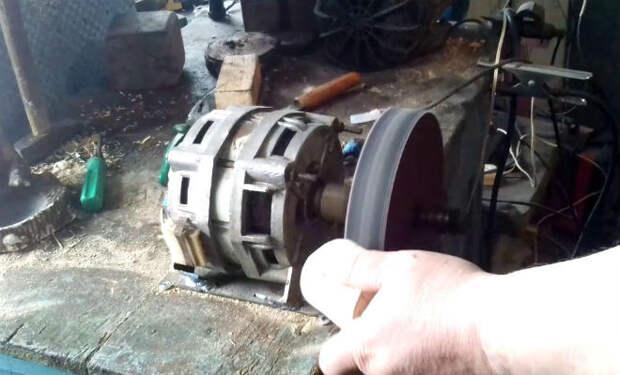 Берем двигатель старой стиральной машины: шлифовальная машина из мусора