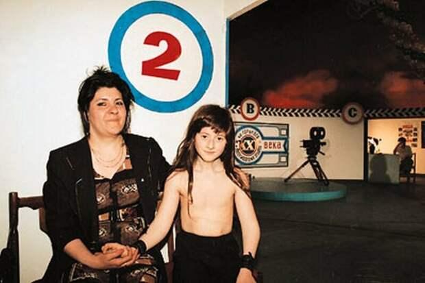 Брюс с мамой. Фото из свободного доступа.
