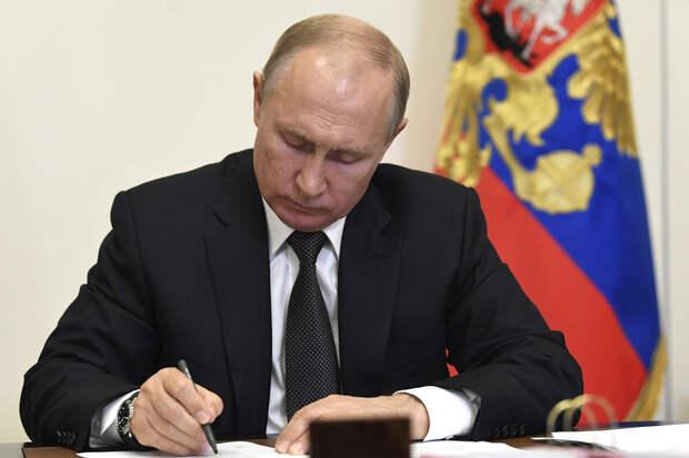 Путин освободил от должности замглавы ФСИН Бурыкина