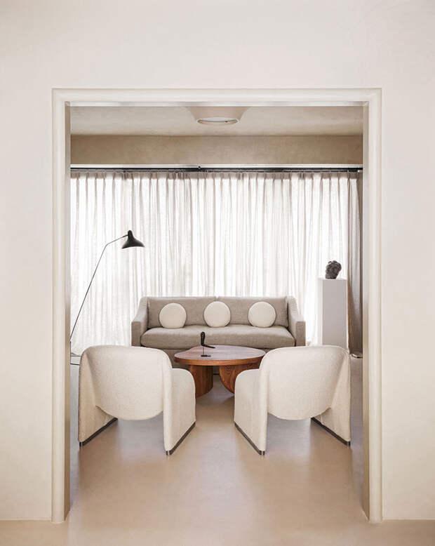 Возвращение к истокам: минималистичная квартира в оттенке экрю на Тайване