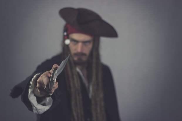 Бросил, не успев поматросить: лже-моряк похитил у жительницы Ижевска почти 200 000 рублей