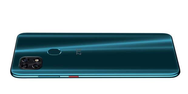 ZTE Blade 20 Smart в России: батарея на 5000 мАч и тройная камера с искусственным интеллектом