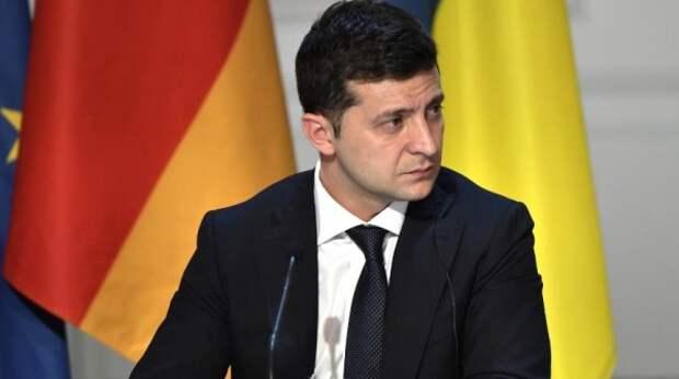На Украине жестко обругали Зеленского за поездку в Катар