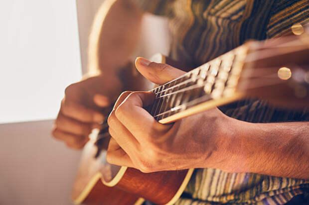 В Лианозове научат играть на гитаре
