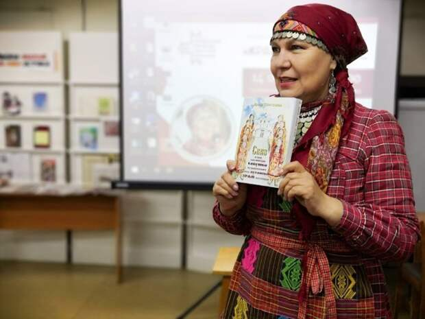 Книгу о Бурановских бабушках передали в библиотеки Удмуртии