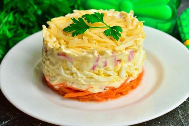 Салат «Гости на пороге» — вкусный и быстрый рецепт