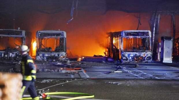 В Германии взорвался парк электрических автобусов (видео)