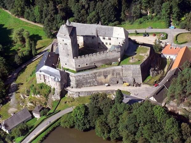 Замок Кост