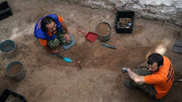В Краснодарском крае археологи раскопали в одном из курганов загадочную гробницу