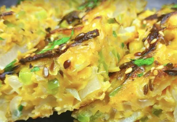 Замешиваем лук с яйцом: вкуснейшая закуска за пять минут
