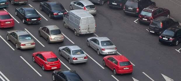 Затруднения на дорогах Москвы оцениваются на 2 балла. Фото: Mos.ru